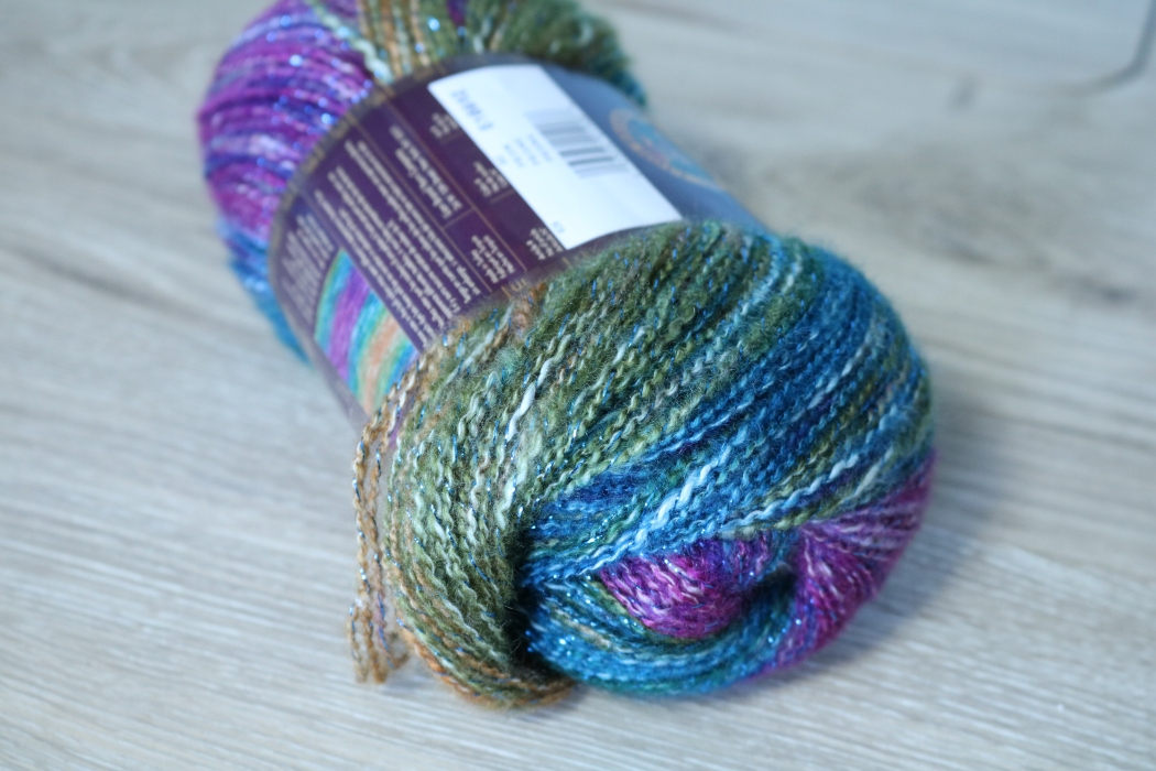 Modern Crochet Yarn Review, Shawl in a Ball from Lion Brand Yarns. Read my review of this yarn as well as get pattern ideas and inspiration.
